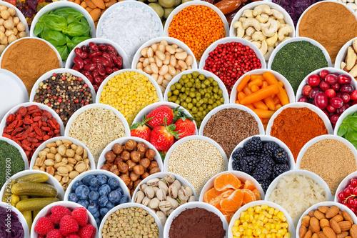 Fotografia  Früchte Beeren Gemüse Obst Nüsse Gewürze Hintergrund Zutaten von oben