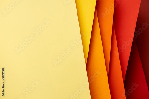 Pattern of overlapping paper sheets in red and yellow tones Slika na platnu