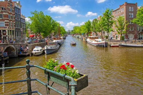 Schönes Amsterdam im Sommer Canvas-taulu