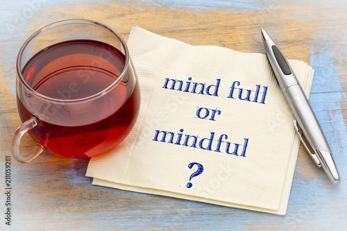 Obraz Mind full or mindful question - fototapety do salonu