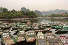 Touristic Boat Ride In Hao Lu In Ninh Binh City, Vietnam.It Is A Famous National Park With Its Rivers And The Caves.