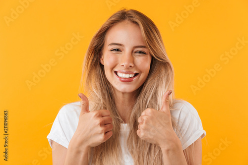 Obraz Portrait of an excited young blonde girl - fototapety do salonu
