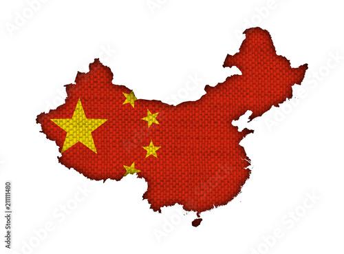 In de dag China Karte und Fahne von China auf altem Leinen