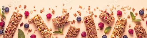 Fotomural Cereal bars on a bright pastel background