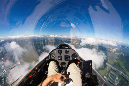Mit dem Segler über den Wolken