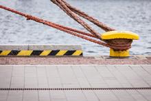 Harbor Marina Bolt With Rope
