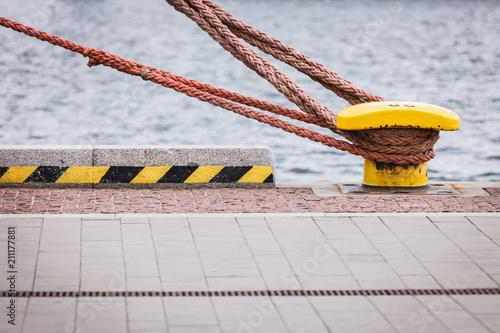 Canvas Print Harbor marina bolt with rope