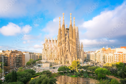 Papiers peints Barcelone Landscape of Barcelona city from the roof top of hotal