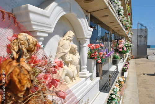 In de dag Begraafplaats Cmentarz w Hiszpanii