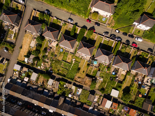Obraz Aerial overhead view of houses in the Welsh Valley of Blaenau Gwent - fototapety do salonu