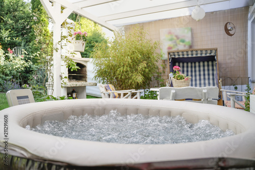 Whirlpool im Garten Tapéta, Fotótapéta