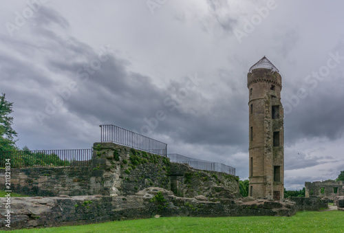 Deurstickers Oude gebouw Ancient Scottish Castle Ruins in Irvine Scotland