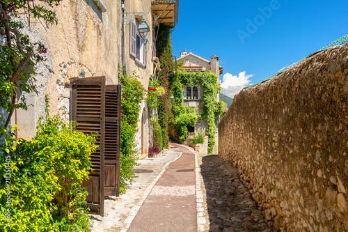 Cuadros en Lienzo  Beautiful architecture in Saint Paul de Vence in Provence, south France
