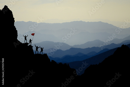 Fotografie, Obraz  extraordinary mountains, challenging territories and successful team work