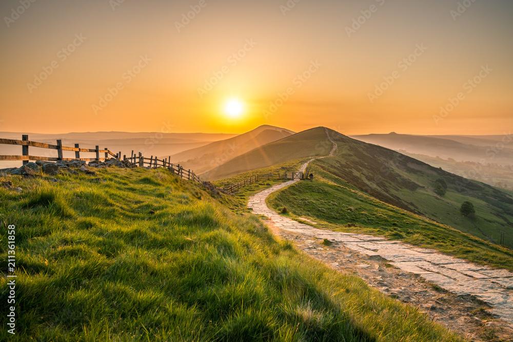 Fototapety, obrazy: Sunrise at Mam Tor hill in Peak District