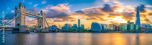Poster London Panorama of Tower Bridge at Sunset in London, UK