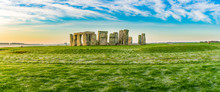 Morning View Of Stonehenge In ...