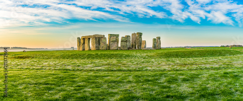 Fotografie, Obraz Morning view of Stonehenge in winter England