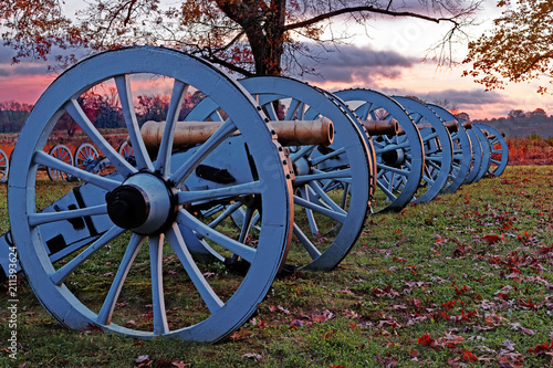 Valley Forge Cannons at Sunrise Fototapet