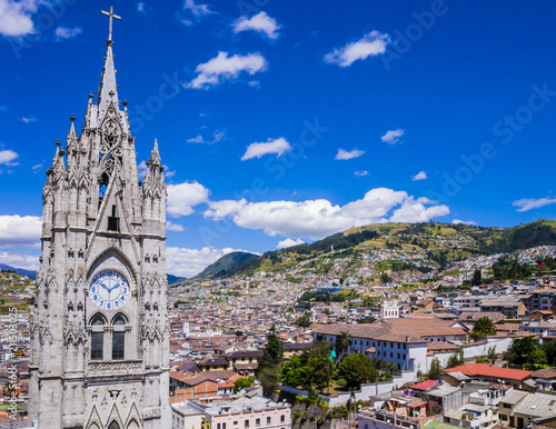 Spoed Foto op Canvas Zuid-Amerika land Ecuador, city view of Quito from gothic Basilica del Voto Nacional clock tower