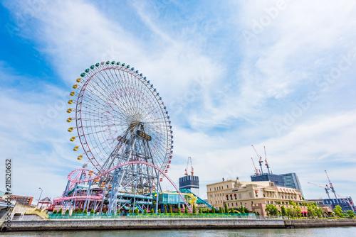 Fototapeta premium Yokohama Minatomirai Diabelski młyn w Minatomirai, Yokohama