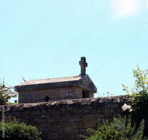 Deurstickers Monument monument religieux dans cimetière