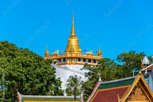 Staande foto Bedehuis Golden Pagoda called Golden Mountain temple or Wat Sraket in Bangkok the public temple in Bangkok is a major tourist attraction and landmark in Thailand.