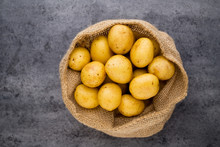 A Bio Russet Potato Wooden Vin...