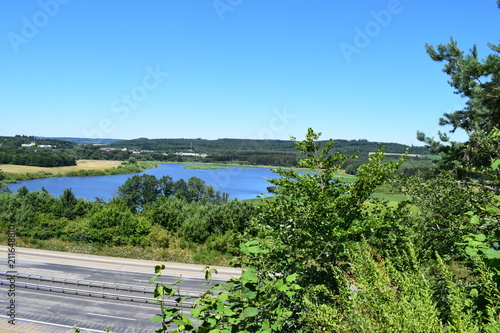 Fotobehang Olijf Autobahn A48 bei Ulmen mit See