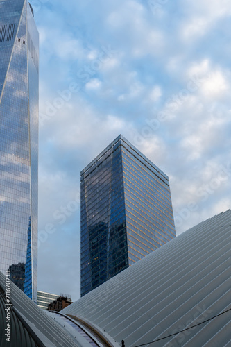 Deurstickers Poolcirkel New York City / USA - JUN 20 2018: New York Telephone Company Building in the Financial District of Lower Manhattan at early morning