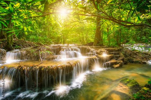 Fotobehang Watervallen Huai Mae Kamin waterfall
