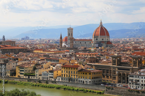 Tuinposter Florence Duomo Santa Maria Del Fiore in evening from Piazzale Michelangelo in Florence, Tuscany, Italy