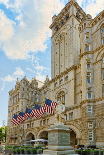 Staande foto Verenigde Staten Washington, USA, Old Post Office Pavilion and Trump International Hotel.