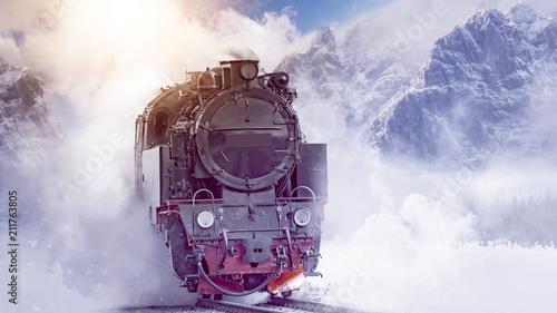 Fotomural  Steam Locomotive Mountain