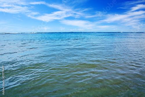 Fotobehang Centraal-Amerika Landen Caribbean sea and clouds sky.