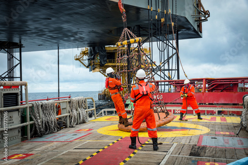 Fotografie, Tablou Personal basket tranfer form  supply boat to oil&gas rig offshore during crew change by boat