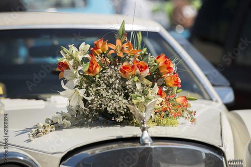 Hochzeitsblumen Autoschmuck Kaufen Sie Dieses Foto Und Finden Sie