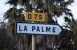 Panneau direction La Palme, Aude, sur la D75.
