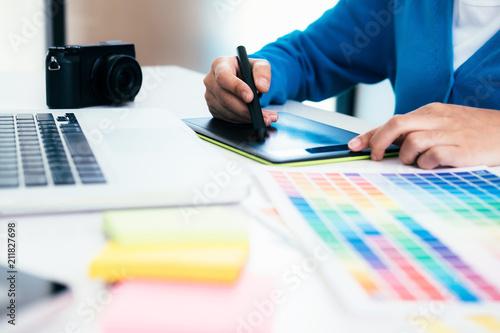 Fotografía  Graphic designer  and Photographer working