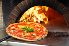 Hot Margherita Pizza Baked In ...