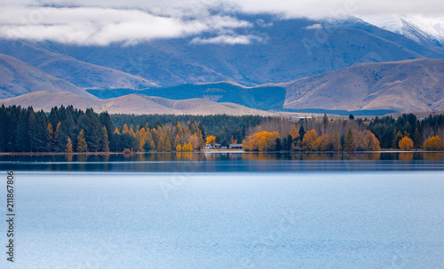 Foto op Plexiglas Blauw Autumn in Lake Pukaki , south Island, New Zealand landscape