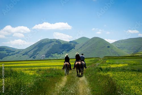 Fototapeta persone a cavallo obraz