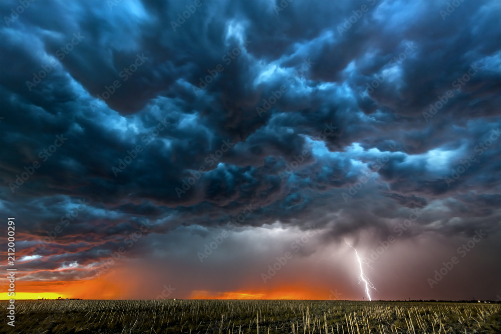 Fototapety, obrazy: Lightning storm over field in Roswell New Mexico.