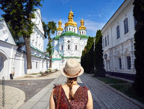 Foto op Plexiglas Kiev Tourist in Kiev Pechersk Lavra