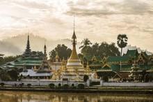 Wat Chong Kham Buddhist Temple...