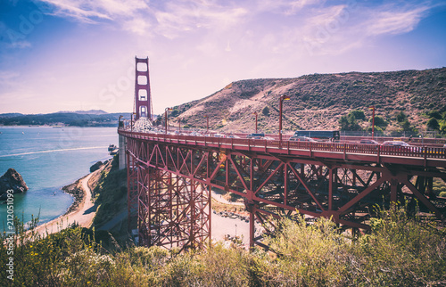 Foto op Plexiglas Amerikaanse Plekken Golden gate bridge in San francisco and landscape