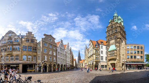 Staande foto Europese Plekken Prinzipalmarkt, Stadthausturm, Münster