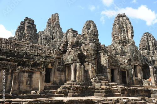 Foto op Plexiglas Bedehuis The Bayon is a well-known and richly decorated Khmer temple at Angkor in Cambodia. Built in the late 12th or early 13th century as the official state temple of the Mahayana Buddhist King Jayavarman VI