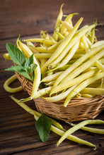 Fresh Yellow Kidney Beans In T...
