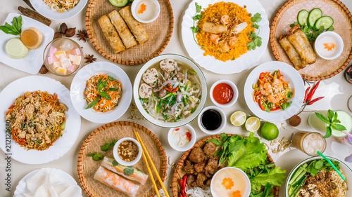 Foto  Assorted asian dinner, vietnamese food
